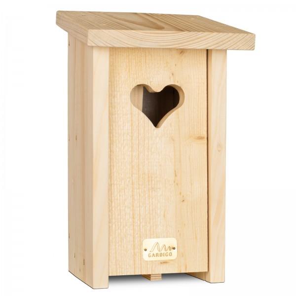 Nistkasten Herz – der tiefe Nistkasten mit dekorativem Einflugloch für Spatzen, Kleiber und Trauerschnäpper von Gardigo